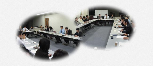 毎週月曜日、午前8時から全員参加の勉強会